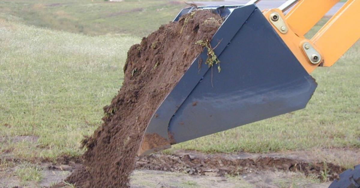 Virnig-May-2020-V50 Low Profile Dirt Bucket-1