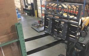 Hydraulic-Adjust-Pallet-Fork-Action